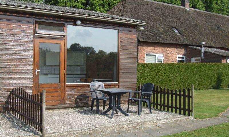 Kamer / appartement met eigen terras en ingang